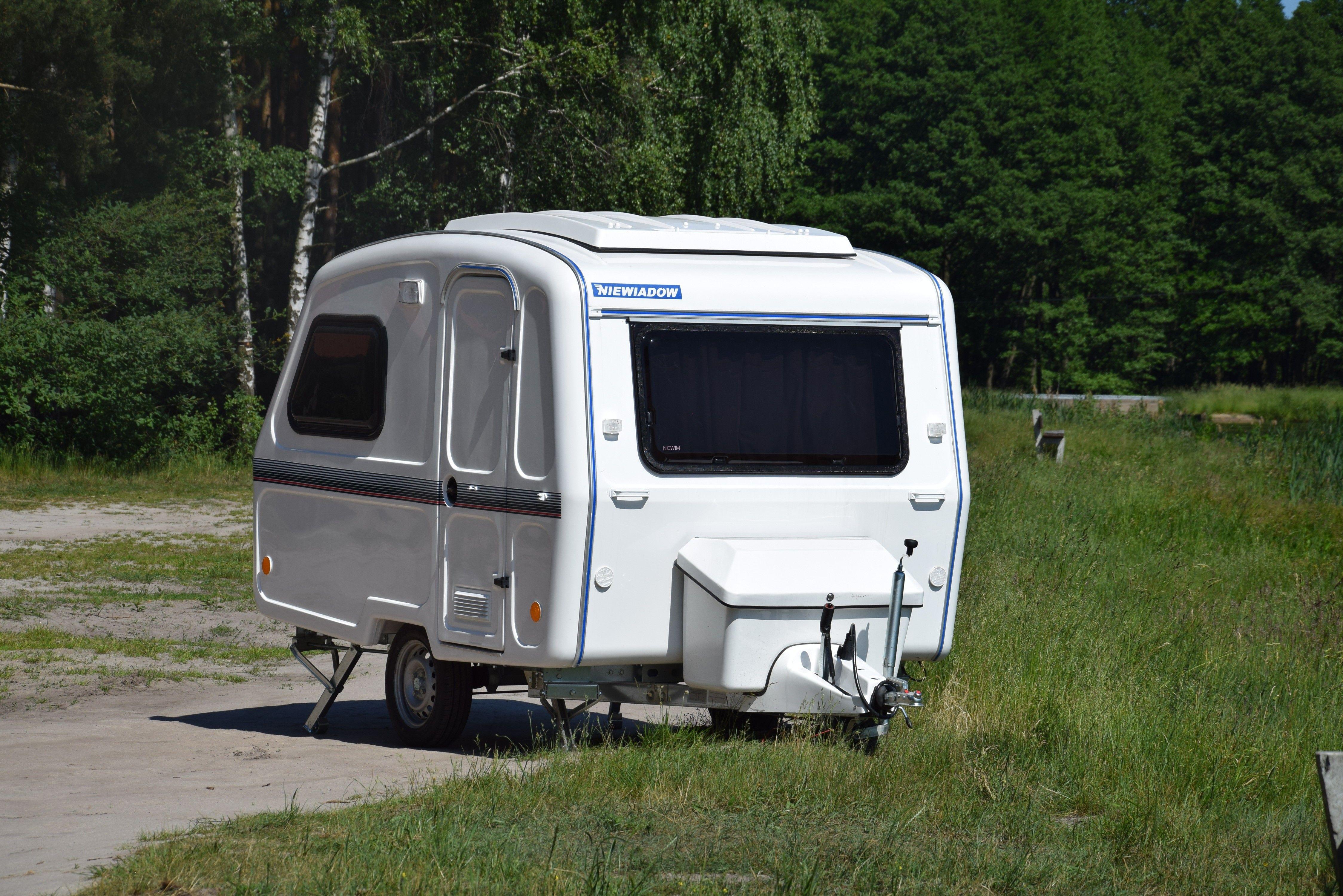 15603 Nowim Przyczepa Kempingowa Camping Bez łazienki Z Wyposażeniem Meblowym Niewiadów 126 D
