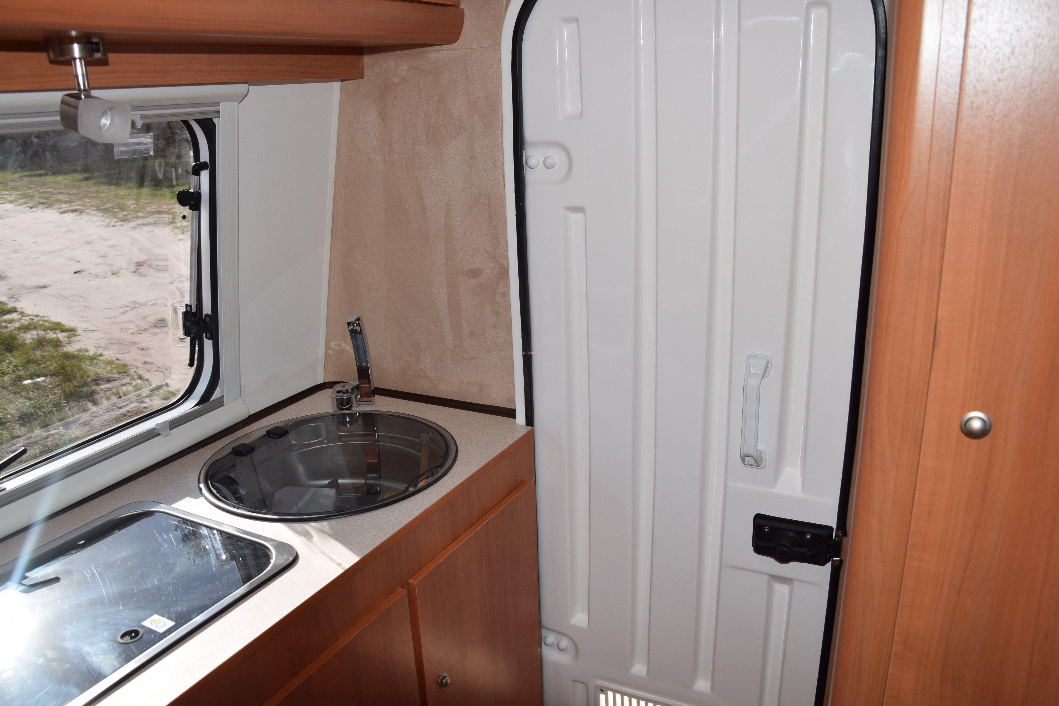 15604 Nowim Przyczepa Kempingowa Camping Z łazienką Wc Prysznicem Niewiadów 126 Et